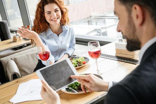餐饮创业:哪个行业的人更适合跨界做餐饮?